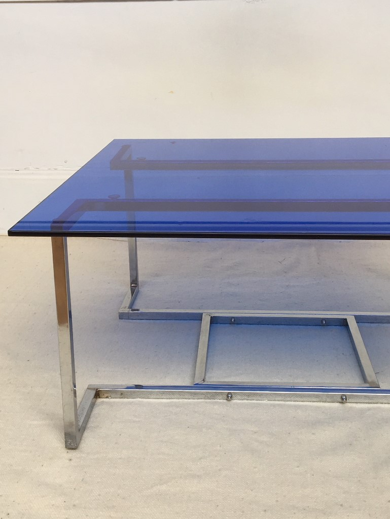 table-en-verre-teinte-annees-60